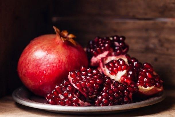 Her derde deva kırmızı meyve