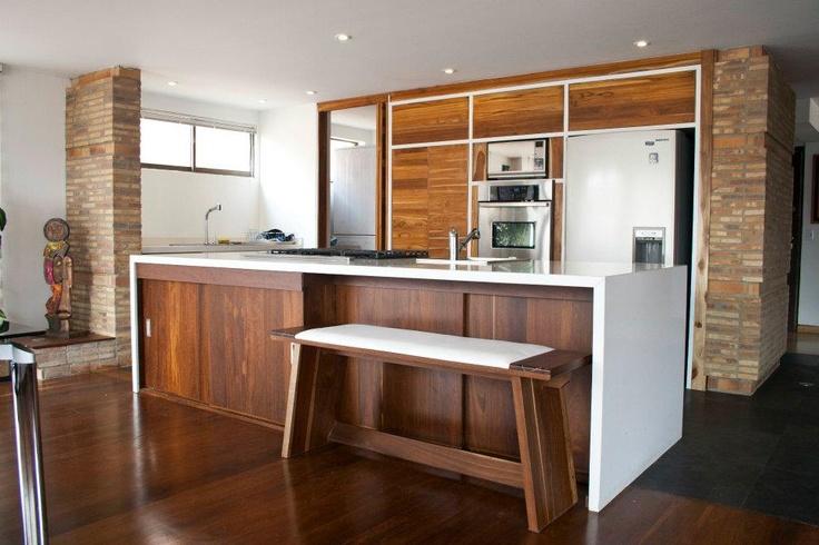 Este es un trabajo completo de diseño de UNODOT, renovamos todo el apartamento, diseñamos fabricamos y montamos la totalidad de este espacio. Pronto más fotografías de todos los detalles y muebles completos.   Diseño del espacio en unión con @Jaime Andrés Restrepo Raich.