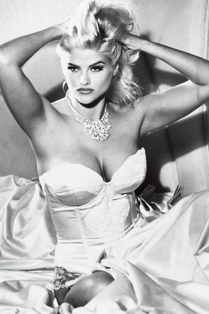 Q: Paul Marciano on 30 Years of Guess Campaigns - WWD.com Anna Nicole Smith