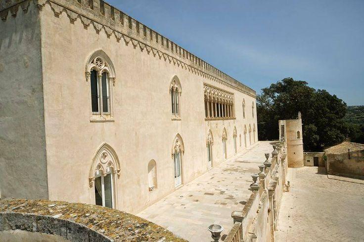 Donnafugata Castle is the home of mafia boss Balduccio Sinagra. The Castle has 122 rooms and the view from the balcony is breathtaking… Take it Slowly and discover with us Montalbano's location. #sicily #ecotour #ecotourism #montalbano #inspectormontalbano #fictionrai #ragusa #scicli #modica #puntasecca #visitsicily #ilovesicily #unaltrasicilia #exclusive #travel