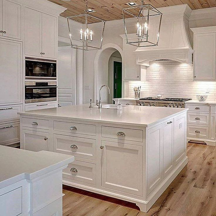 """1,921 Likes, 15 Comments - Cecelia (@thewelldressedhouse) on Instagram: """"Beautiful! Just beautiful!....Tag your bestie!.... credit: @rojahncustomcabinetry . . . . .…"""""""