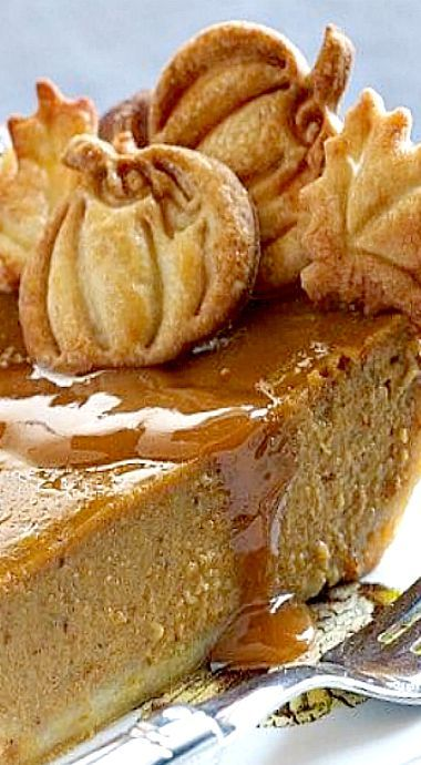 Classic Pumpkin Pie ❊ I am SO going to make these pretty pumpkin cut outs when I'm making my Thanksgiving pumpkin pies.