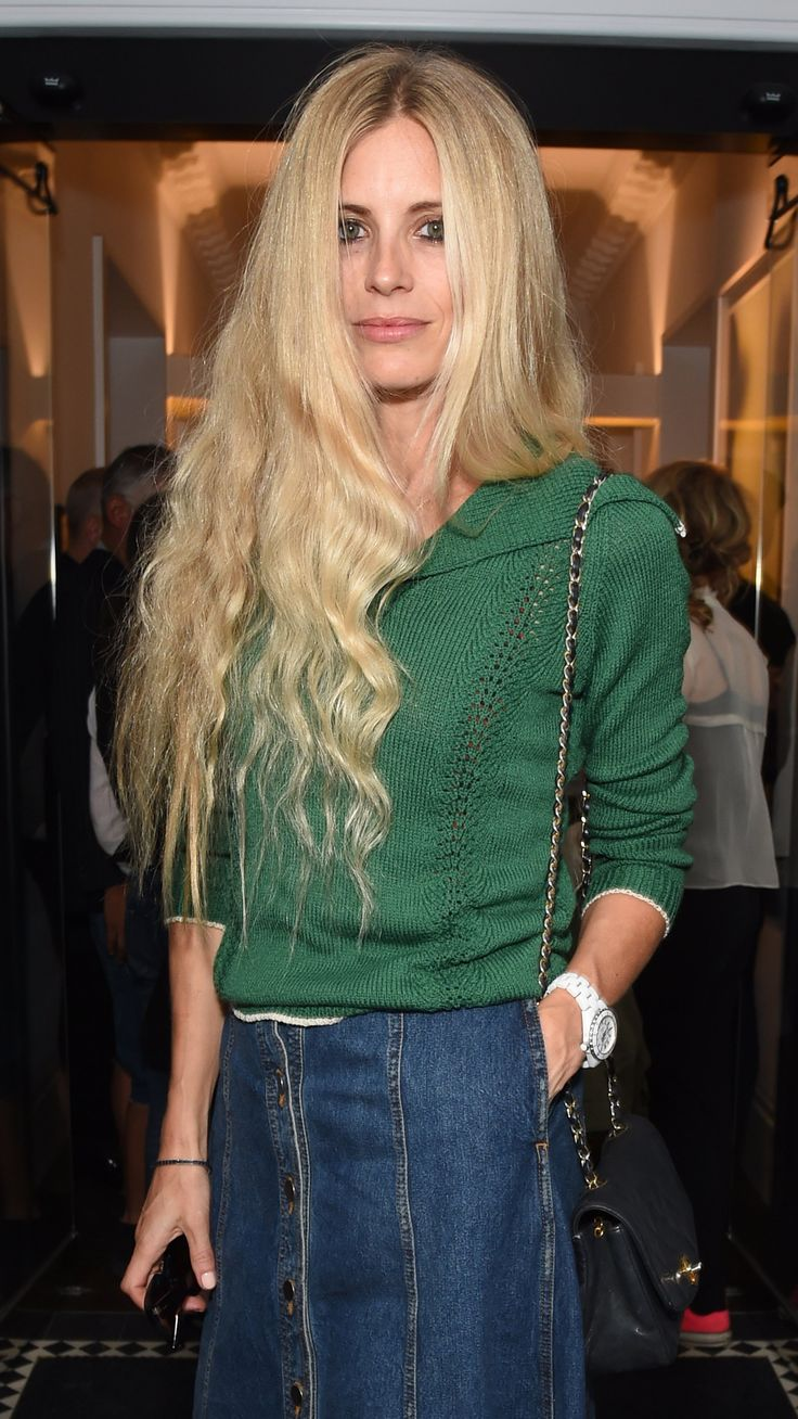 Fashion's fixation with all things seventies showing no signs of cooling down–especially Laura Bailey's waist-grazing maiden waves