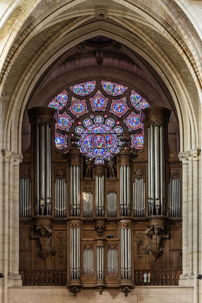 Organ and west rose window of Laon Cathedral Notre-Dame, Picardy, France
