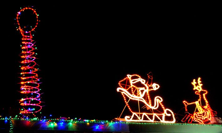 Santa leaves the north pole. Christmas lights display at Snap Laundromat - 69 Westerham Street Taringa Brisbane. All welcome! www.snaplaundromat.com.au #Snap Laundromat #snaplaundromat #Taringa #Brisbane #Laundromats #Christmas lights