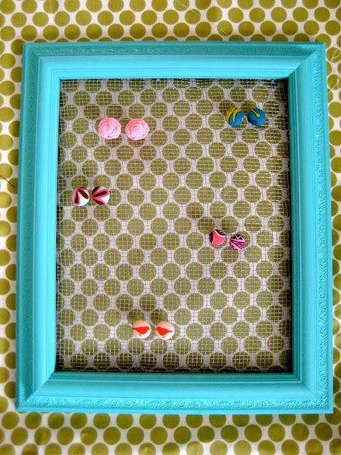 oh, sweet joy!: DIY - Picture Frame Earring Holder