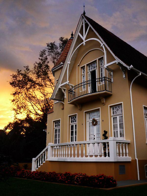 A litle house in a litle city, São Bento do Sul, Santa Catarina, Brazil by beccarifilho.