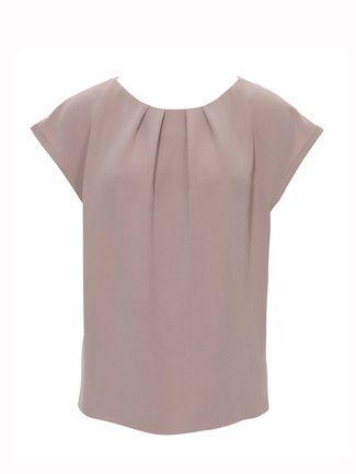 burda style, Schnittmuster - Shirt aus reinseidenem Crêpe mit angeschnittenen Miniärmel und Fältchen am Halsausschnitt. Nr. 106 aus 04-2013