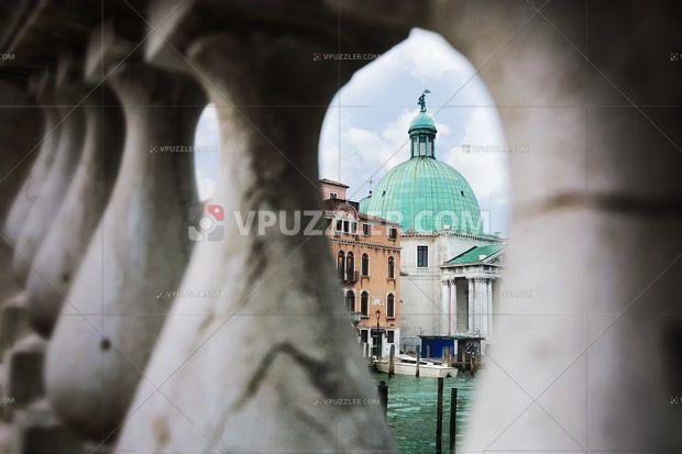 Venice #magiccity #royaltyfreephoto #architecture #sotckphoto https://www.vpuzzler.com/pl/photo/architecture-in-venice-P79539/