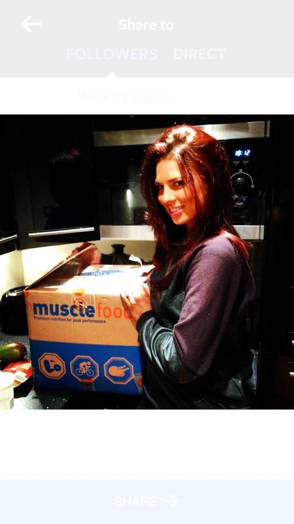 Hollyoaks star with her Muscle Food order!!