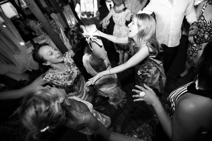 Sposarsi all'isola d'Elba - Getting married in Elba - Un matrimonio glamour  all'isola d'Elba. Marciana Marina, Spiaggia La Fenicia.  www.weddinginelba.it #wedding #glamour #vip #elba Copyright e diritti d'autore. Se ne vieta l'uso, la condivisione e quant'altro senza previa autorizzazione. Foto Morlotti STUDIO