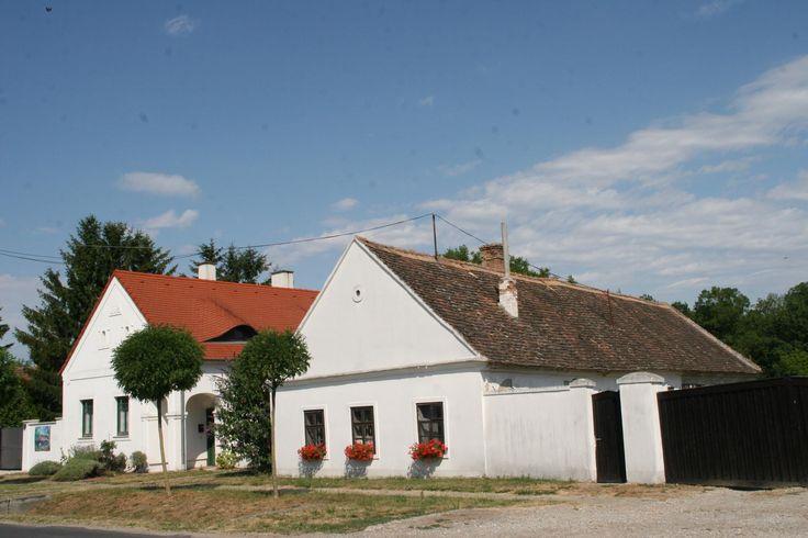 Sarród-A Kisalföld népi építészete Győr-Moson Sopron Megye