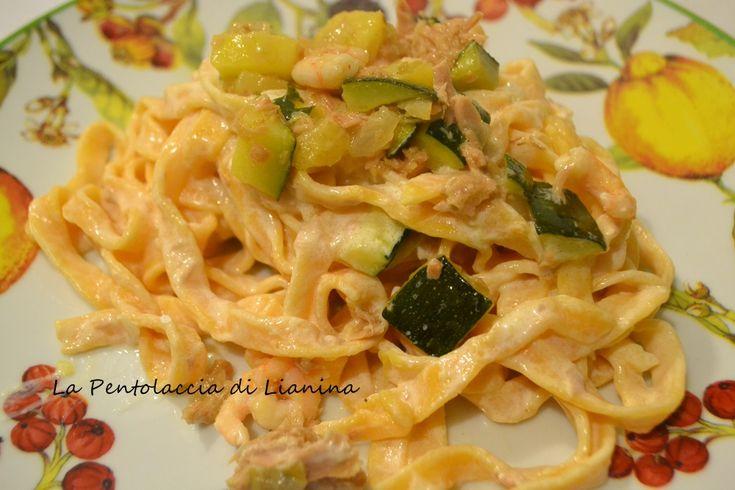 http://blog.giallozafferano.it/lianina/2013/10/26/pasta-fresca-rossa-alluovo-zucchine-tonno-gamberetti/