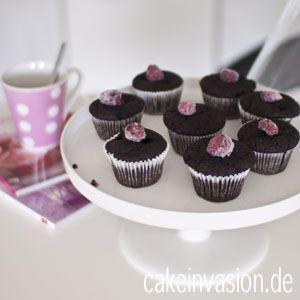 """Diese Schoki-Cupcakes sind echt superlecker!! Sie sind schön saftig, fluffig, schnell und einfach gemacht und schmecken sehr schokoladig, obwohl sie """"nur"""" Kakaopulver und keine Schokola…"""