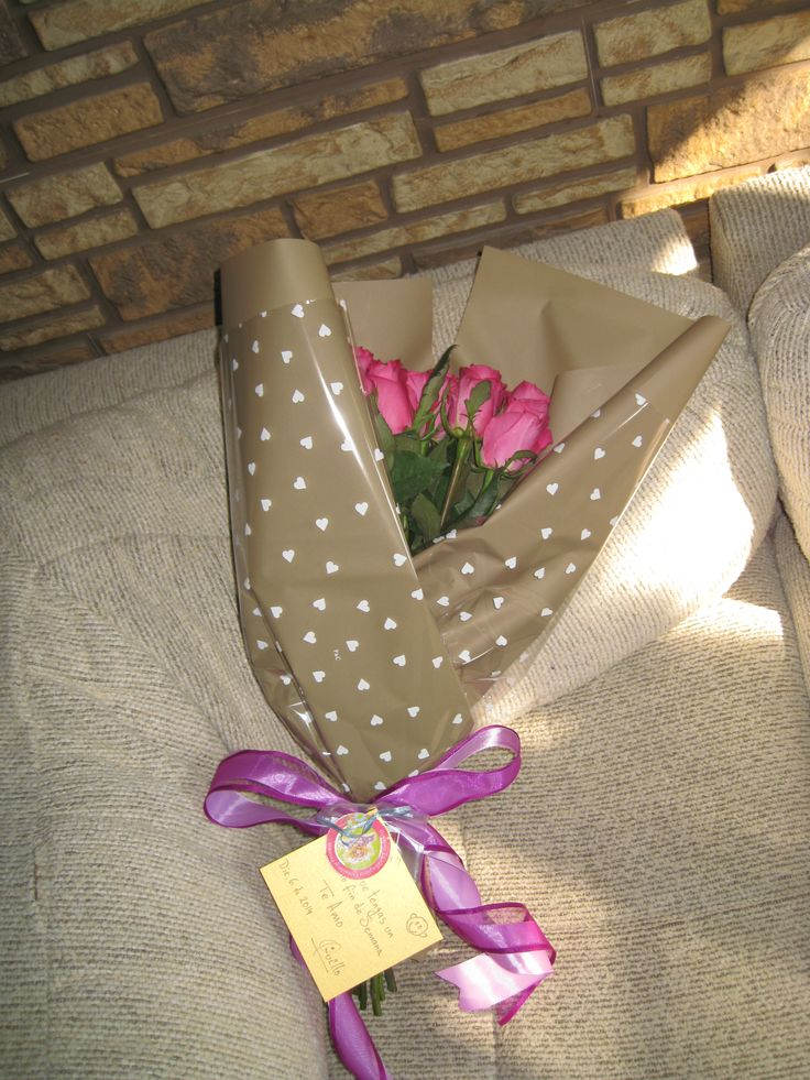 Ramo de rosas con liston en tono uva y lila para regalo de ...