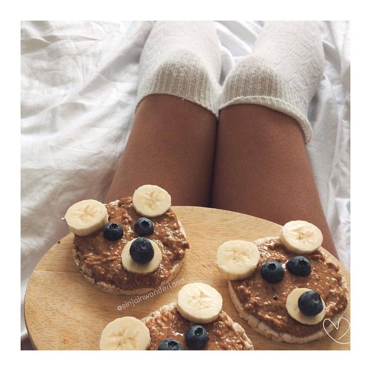 """❥Fav Pre-Workout-Snack 🍌 Rice-Waffles with Almond Butter/Peanutbutter & fruits . I have a thing for…"""