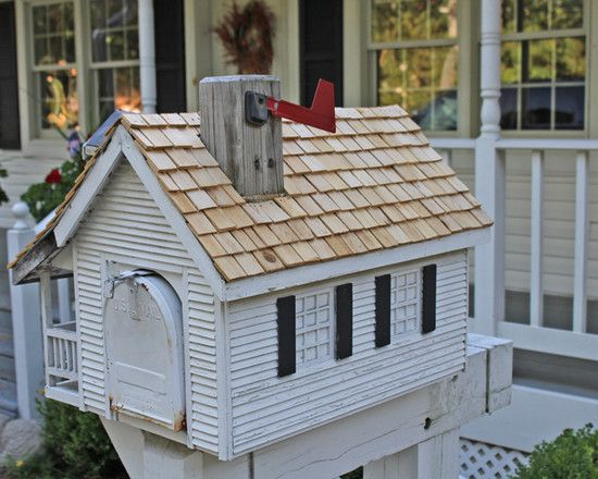 : Traditional And Creative Wooden Mailbox Ideas With White And Small Farmhouse Shaped Design