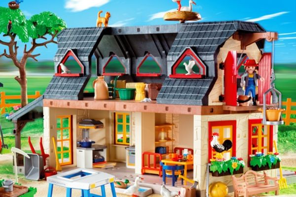 Playmobil Mega Farm Set 4055 Close Up On Farm Building