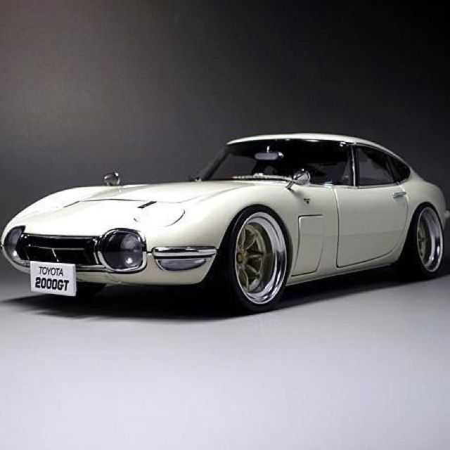 Toyota2000GT a legend in its own time.