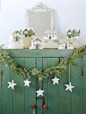 love this.: Cabinets, Christmasdecor, Idea, Vintage Christmas, Little Houses, Country Christmas, Diy Christmas Decor, Stars Garlands, Wooden Stars