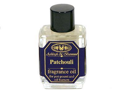 Πλούσια και μοσχοβολιστή, το άρωμα Patchouli της Ashleigh & Burwood δημιουργεί την ιδανική ατμόσφαιρα για διασκέδαση και χαλάρωση. Ζεσταίνουμε το λαδάκι σε αρωματοδοχείο ή σε ποτ-πουρί για όμορφο φιλόξενο σπίτι.