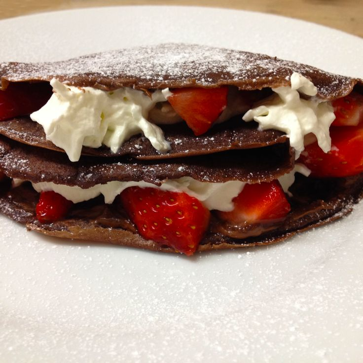 Happy Pancake Day! We're going to be celebrating with chocolate pancakes tonight (we may have already had some this morning!). These pancakes are so easy to make. For the recipe click the image. #bude #cornishfood #bigupbude #pancakeday2016