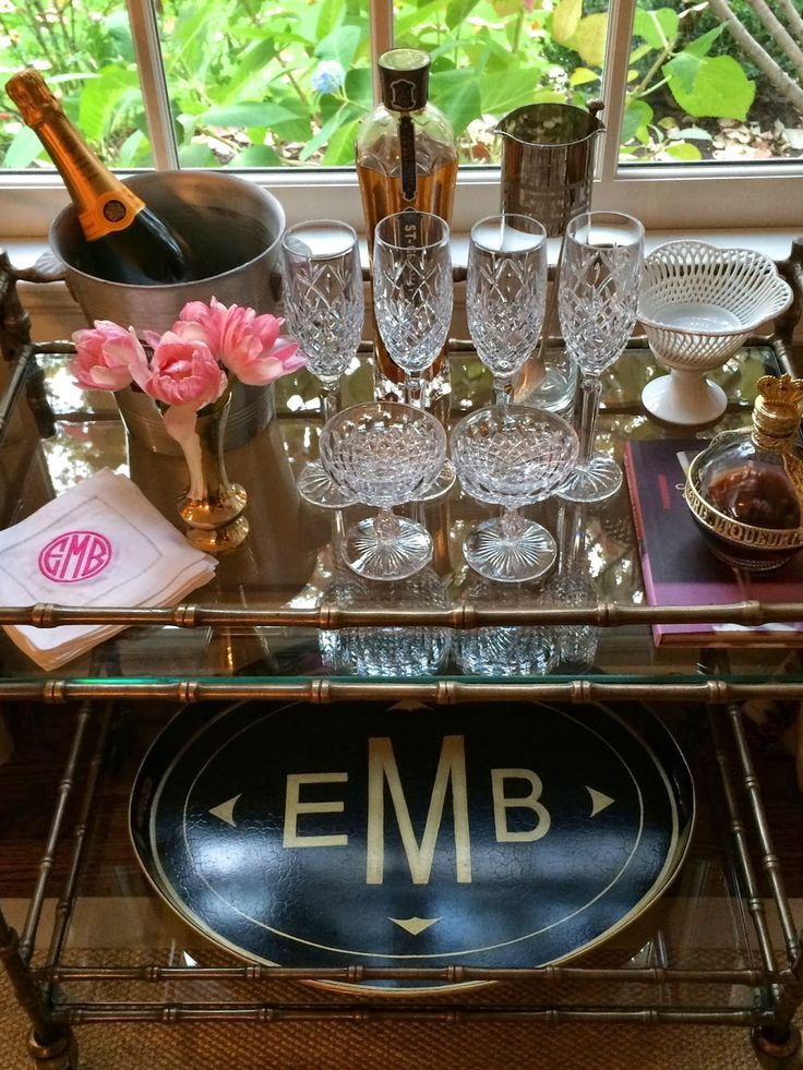 Elegant and chic bar display for parties. .. love.