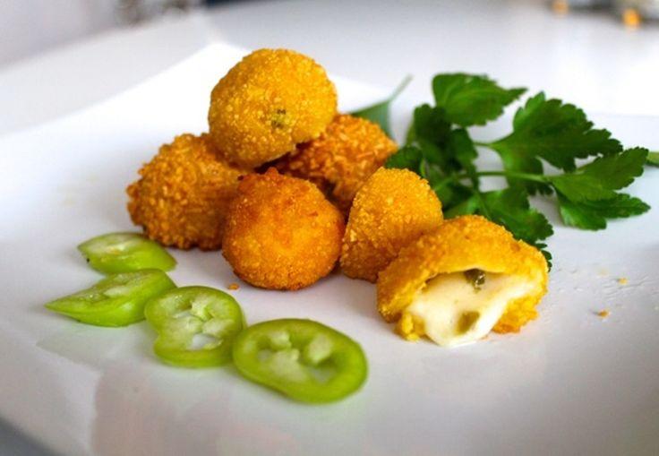 Hvordan laver man hjemmelavede chili cheese tops | Mmm.dk