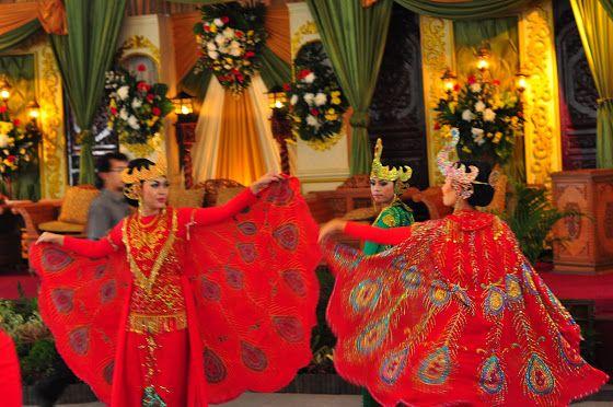 Tarian Tradisional di Indonesia