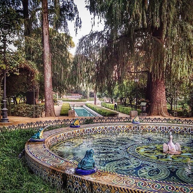 Parque Maria Luisa - Sevilla, Spain Fuente de las ranas