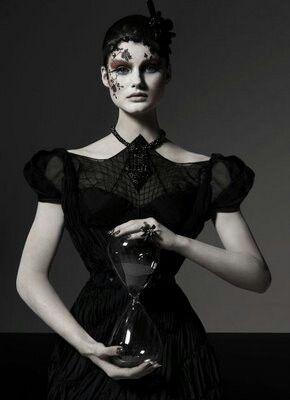#винтаж #готическая девушка #викторианская мода #готическое искусство #тьма #гот #готика #стимпанк #викторианское...