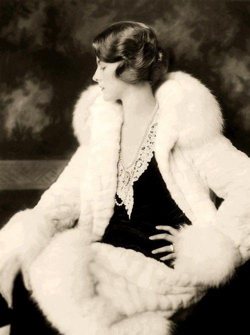 Dorothy Knapp, 1930: Fur Coats, 1920 S, Beautiful 1930S, 1920S Style, 20S Fashion, 1930S Fashion, Dorothy Knapp, Ziegfeld Girls, Art Deco