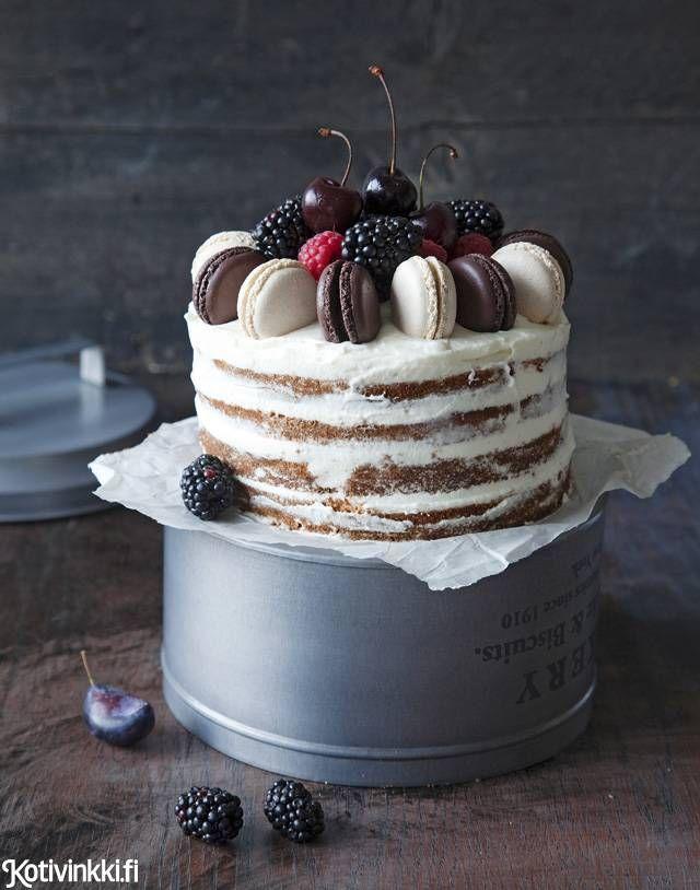 Omenainen naked cake on päältä kaunis, mutta myös sisältä taivaallinen. Mehevän…