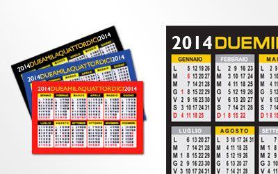 Stampa il tuo biglietto da visita con il retro Calendario tascabile, formato biglietto da visita 8,5x5,5cm stampato fronte e retro su carta patinata opaca da 350g.   Potete personalizzare il fronte allegando il vostro file e scegliere il colore del calendario che verrà stampato sul retro tra rosso, blu e nero.