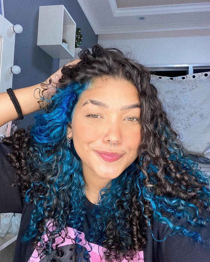 Dyed Curly Hair, Half Dyed Hair, Colored Curly Hair, Dye My Hair, Under Hair Dye, Under Hair Color, Hidden Hair Color, Hair Color Streaks, Hair Dye Colors