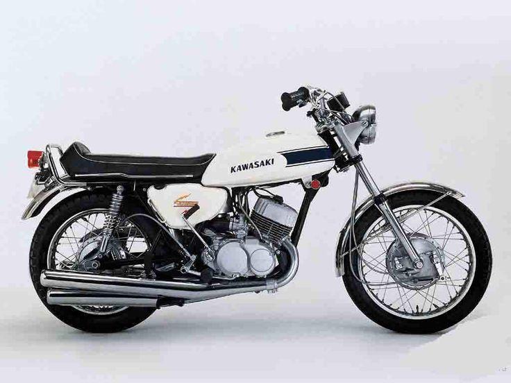 Kawasaki  H Triple Preformance Specs