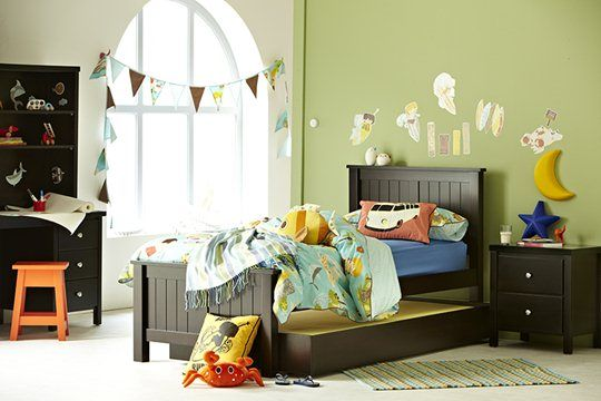how to make a single bed look nice