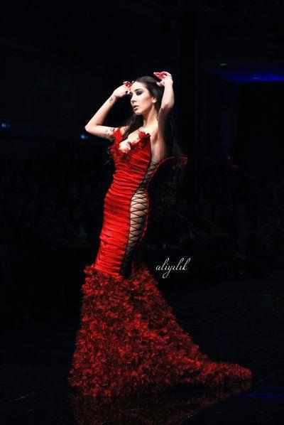 #portraits #photography #girl #concept #woman #girl #aliyilik #fashion #catwalk #dress #ankara