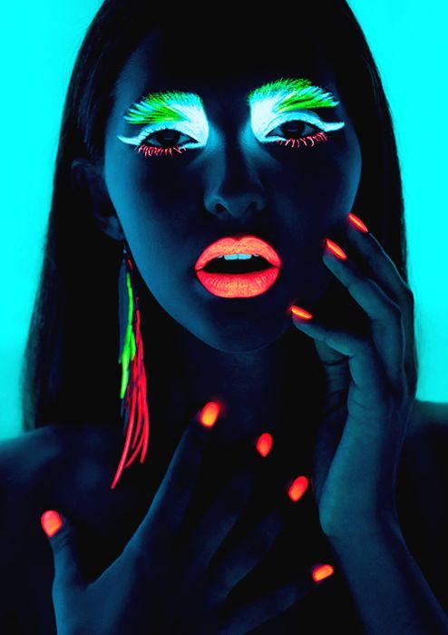 Neon Neon Neon ....Neon Parties, Dark Makeup, Ski Masks, Dark Lips, Nails Polish, Black Lights, Neon Nails, Rave Makeup, Glow Parties