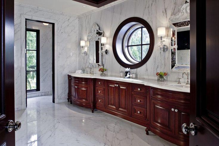 Итальянский стиль в интерьере: гармония и теплота Тосканы для вашего дома http://happymodern.ru/italyanskij-stil-v-interere/ Мебель из темного дерева и мраморный пол в спальне итальянского стиля