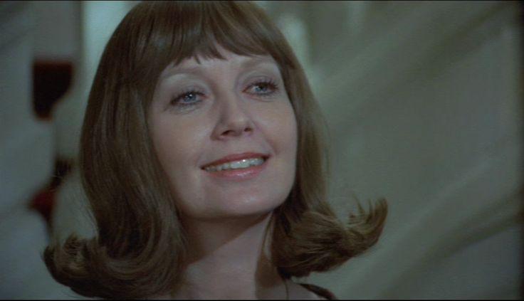 som baronesse Sikabild, i Romantik på sengekanten fra 1973.