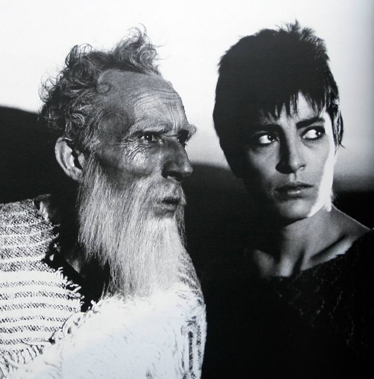 manos katrakis & irene papas   ⌘perhaps the best greek theatrical actors in history.   Photo from ¨Antigone¨ in Epidaurus