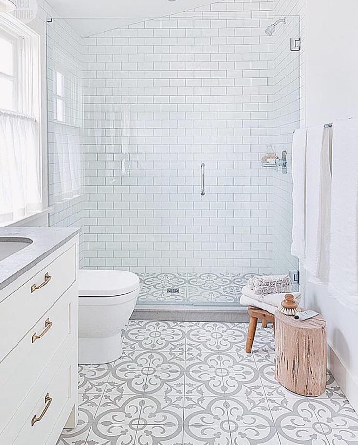"""178 Likes, 16 Comments - Jesica Hoelzle (@house_of_jess) on Instagram: """"What's your favorite thing in this bathroom?! I can't decide, I love it all image via…"""""""