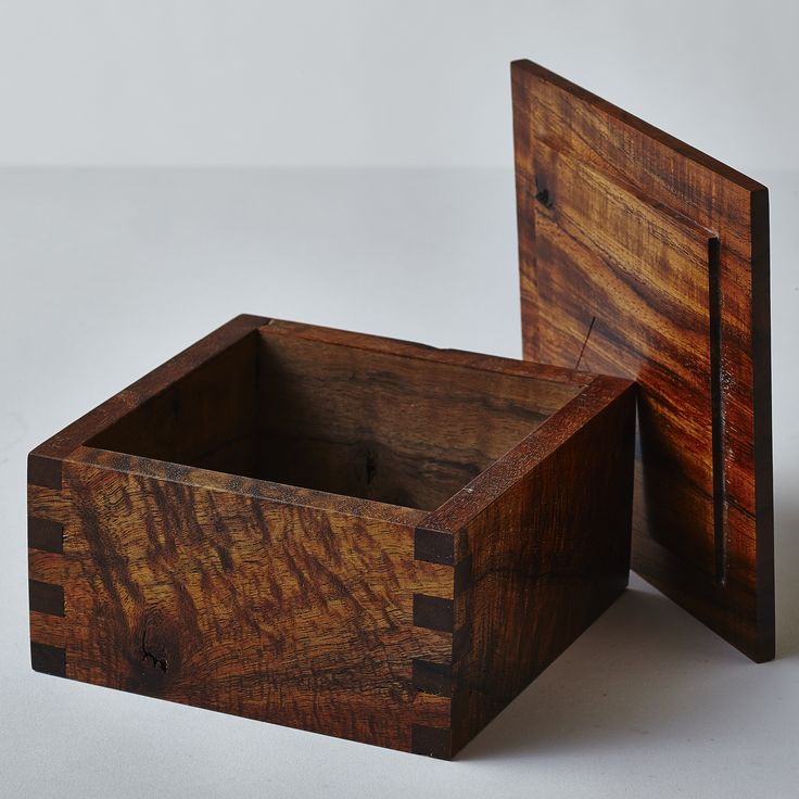 Koa box with lid