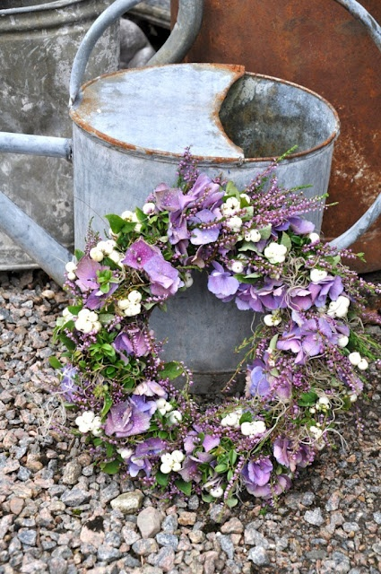 Wreath with hydrangeas and heather