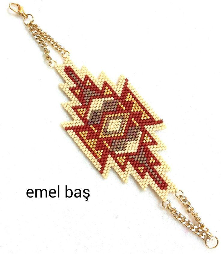 Peyote bracelet by Emel Bas from Turkey (design belongs to artistic.bracelet)