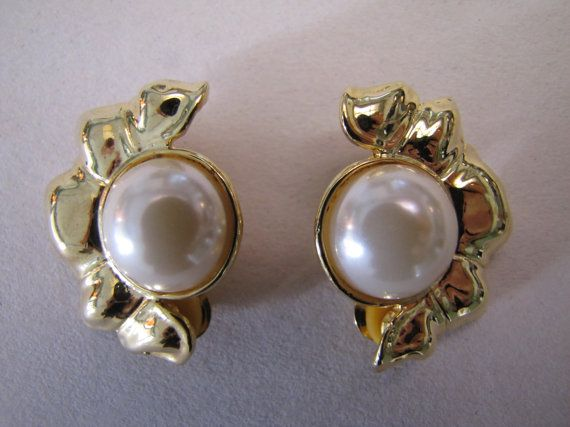 Vintage 1980's Gold Tone Faux Pearl  Clip On by themagickcat