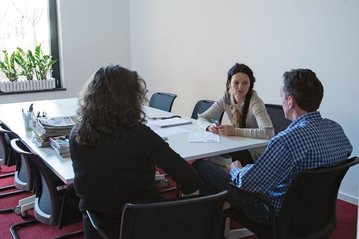 Dieses Zwei-Personenteam wird durch die Dozentin Simone Naumann -  @Simone Naumann - unterstützt. #Storytelling #7Pointstory #Workshop