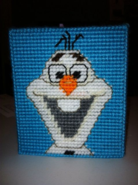 Plastic canvas tissue box side #3- Olaf from Disney's Frozen.