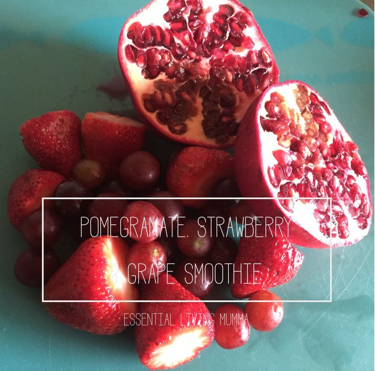 Pomegranate, Strawberry and Grape smoothie - Vitamins galore!